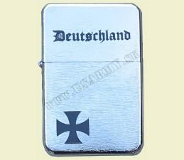 ZAPAĽOVAČ BENZÍNOVÝ DEUTSCHLAND  - Deutschland kríž malý vľavo dole